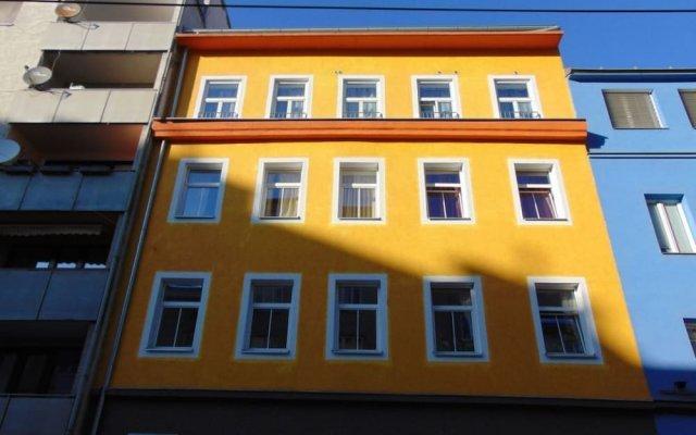 Апартаменты Era Apartments Angeligasse вид на фасад