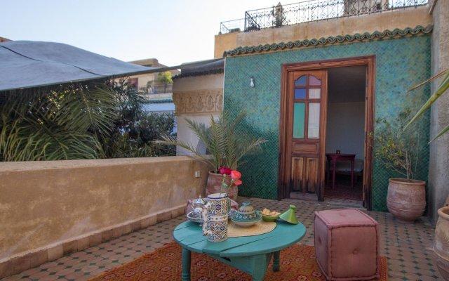 Отель Riad Les Oudayas Марокко, Фес - отзывы, цены и фото номеров - забронировать отель Riad Les Oudayas онлайн вид на фасад