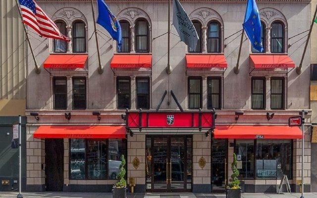 Отель Fitzpatrick Manhattan Hotel США, Нью-Йорк - отзывы, цены и фото номеров - забронировать отель Fitzpatrick Manhattan Hotel онлайн вид на фасад