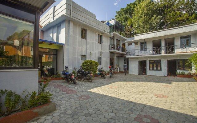 Отель OYO 150 Hotel Himalyan Height Непал, Катманду - отзывы, цены и фото номеров - забронировать отель OYO 150 Hotel Himalyan Height онлайн вид на фасад