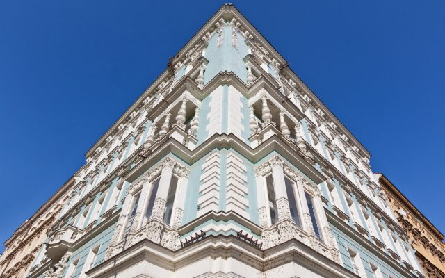 Апартаменты Royal Prague City Apartments Прага вид на фасад