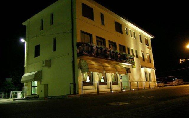 Отель Da Vito Кампанья-Лупия вид на фасад