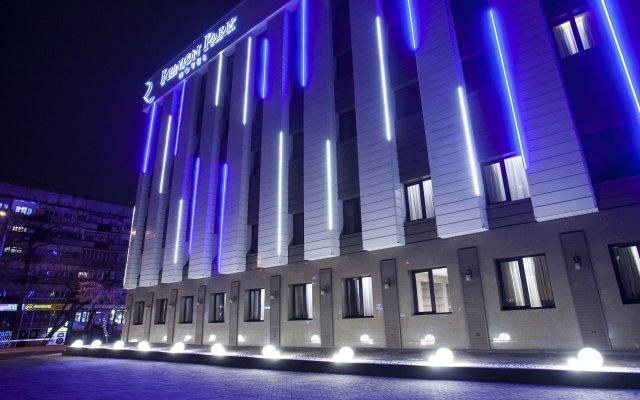 Renion Park Hotel вид на фасад