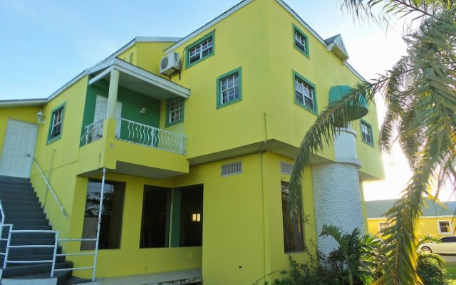 Caribbean Holiday Apartments 0