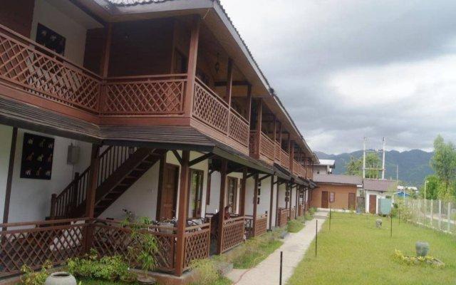 The White Avenue Hotel вид на фасад