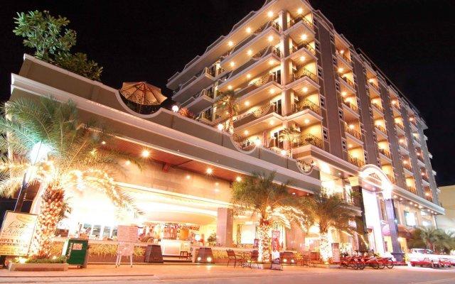 Отель LK Royal Suite Pattaya вид на фасад