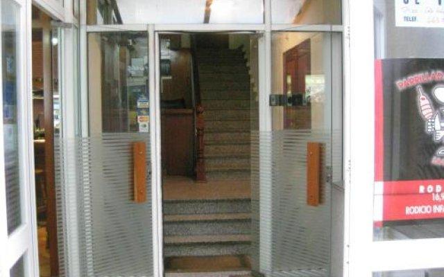 Отель Hostal Linar вид на фасад
