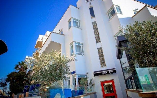 Отель Gordon By The Beach Тель-Авив вид на фасад