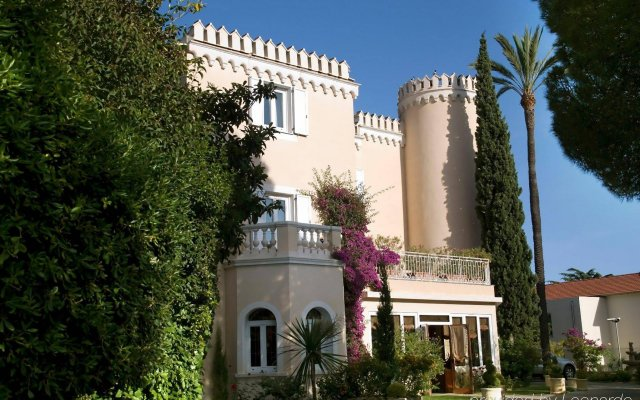 Hotel Chateau de la Tour вид на фасад