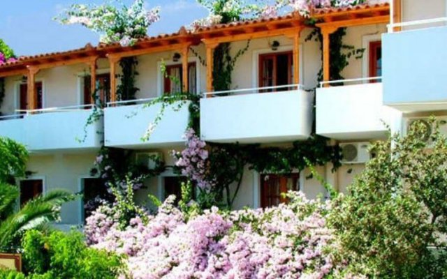 Апартаменты Costantonia Holiday Apartments