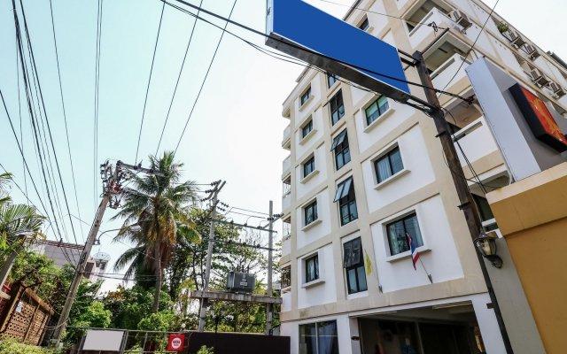 Отель Nida Rooms Narathivas 2888 Residence At Living Nara Place Бангкок вид на фасад