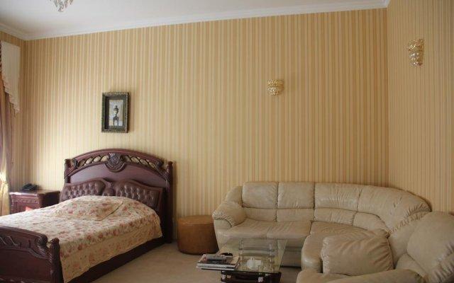 Гостиница Versal комната для гостей