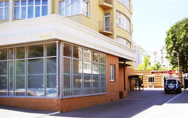 Beehive Hotel Odessa вид на фасад