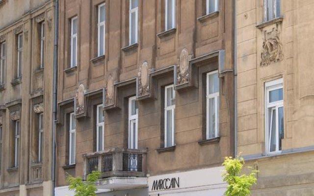 Hostel Heart of the City вид на фасад