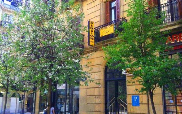 Отель Pensión Urumea Испания, Сан-Себастьян - отзывы, цены и фото номеров - забронировать отель Pensión Urumea онлайн вид на фасад