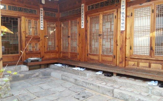 Отель Hyosunjae Hanok Guesthouse вид на фасад