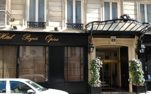 Отель Peyris Opera Париж вид на фасад