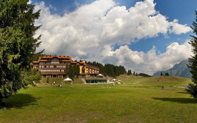 TH Madonna di Campiglio - Golf Hotel Пинцоло вид на фасад