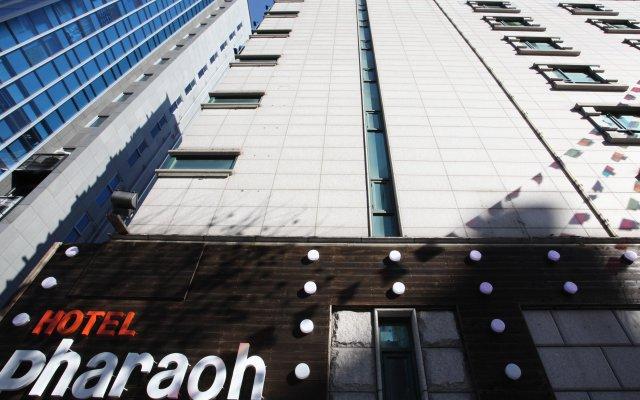 Hotel Pharaoh вид на фасад