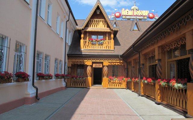 Гостиница Алеша Попович Двор вид на фасад