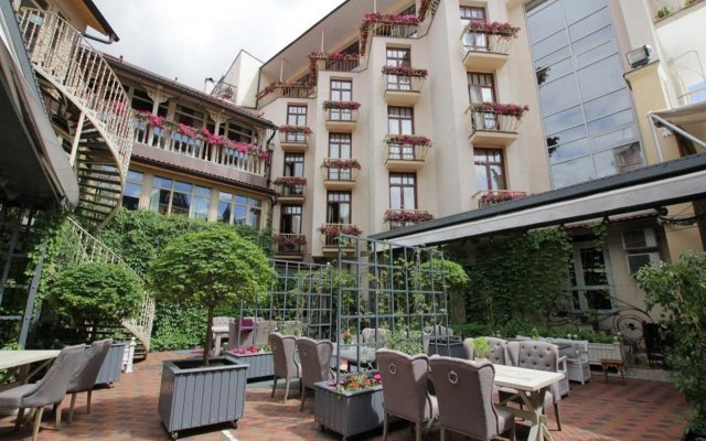 Гостиница Амбассадори в Москве 9 отзывов об отеле, цены и фото номеров - забронировать гостиницу Амбассадори онлайн Москва помещение для мероприятий
