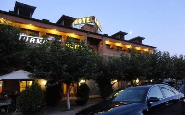 Отель Turmo вид на фасад