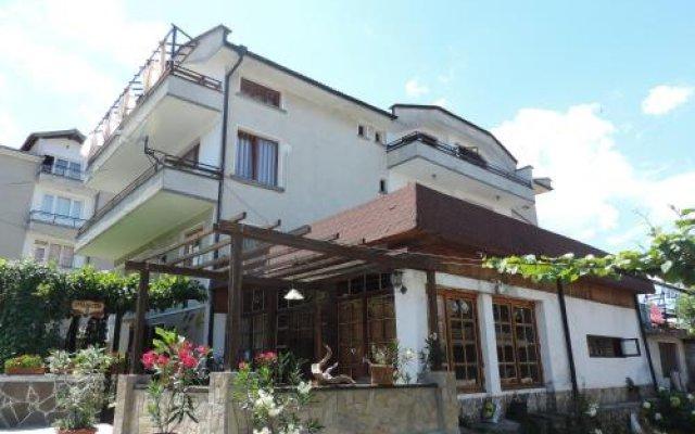 Отель Guest House Bakish Obzor Болгария, Аврен - отзывы, цены и фото номеров - забронировать отель Guest House Bakish Obzor онлайн вид на фасад