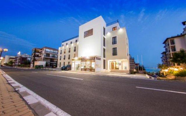 Отель Галерий Суитс вид на фасад