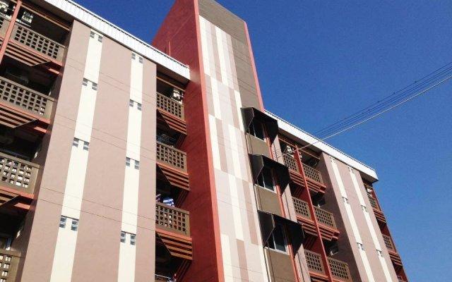Апартаменты Burapha Bangsaen Garden Apartment вид на фасад