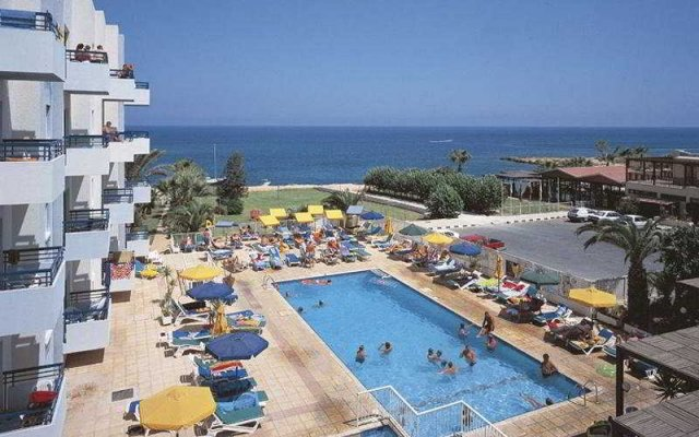 Отель T.S.Resort Кипр, Протарас - отзывы, цены и фото номеров - забронировать отель T.S.Resort онлайн бассейн