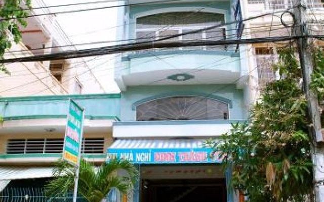 Отель Dinh Thanh Cong Guesthouse вид на фасад
