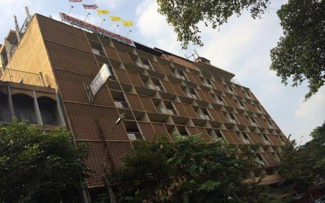 Отель The Krungkasem Srikrung Hotel Таиланд, Бангкок - отзывы, цены и фото номеров - забронировать отель The Krungkasem Srikrung Hotel онлайн вид на фасад
