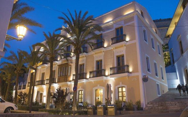 Отель Mirador de Dalt Vila Испания, Ивиса - отзывы, цены и фото номеров - забронировать отель Mirador de Dalt Vila онлайн вид на фасад