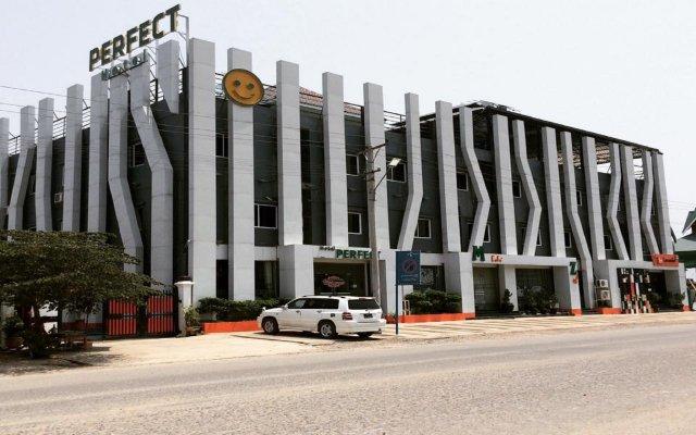 Perfect Hotel вид на фасад