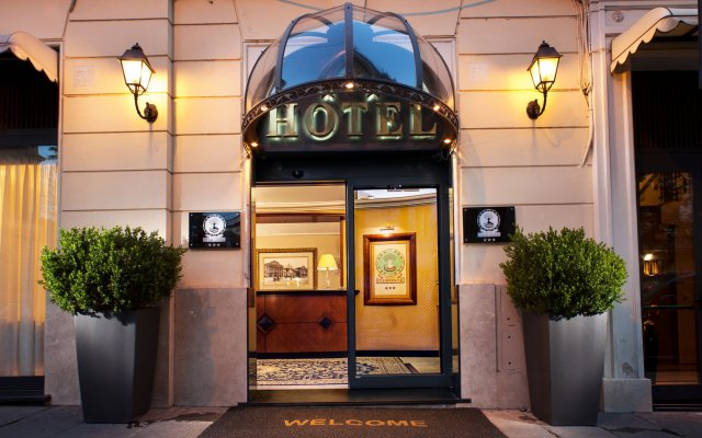 Hotel Piemonte вид на фасад