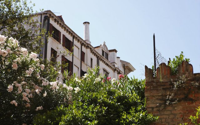 Casa Del Melograno