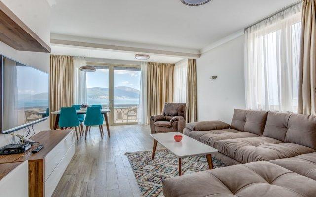 Отель Kaliman Villa Lux Черногория, Тиват - отзывы, цены и фото номеров - забронировать отель Kaliman Villa Lux онлайн комната для гостей