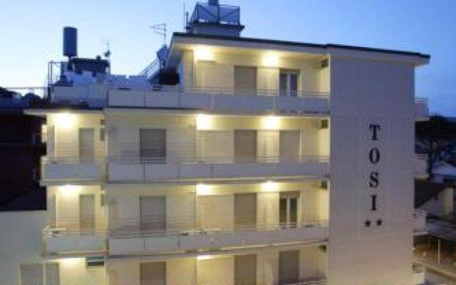 Hotel Tosi вид на фасад