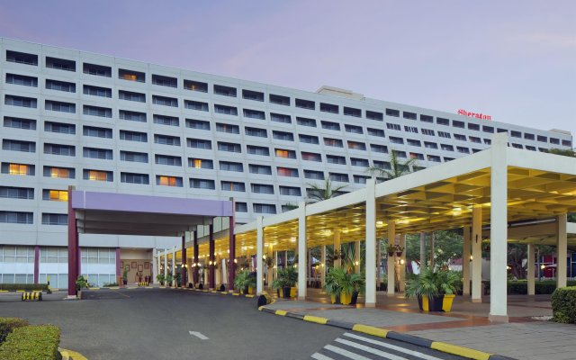 Sheraton Abuja Hotel вид на фасад