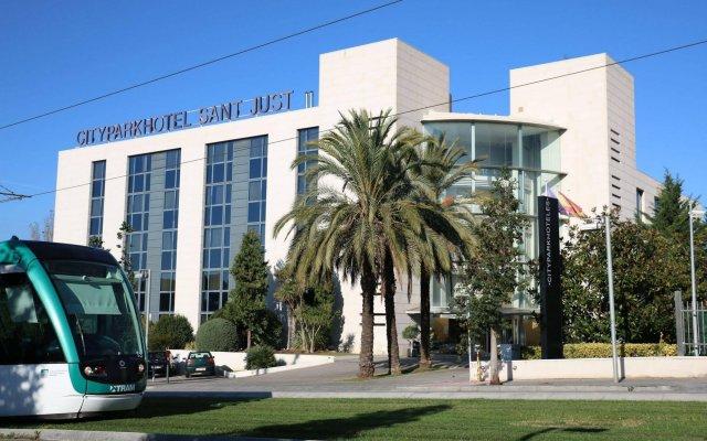 Отель HLG CityPark Sant Just Испания, Сан-Жуст-Десверн - отзывы, цены и фото номеров - забронировать отель HLG CityPark Sant Just онлайн вид на фасад