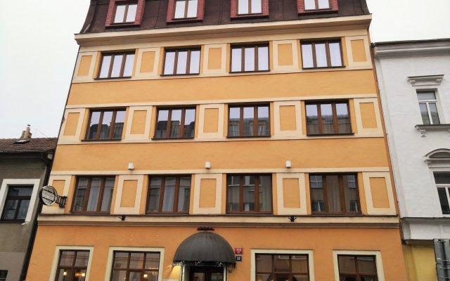 Elen's Hotel Arlington Prague вид на фасад