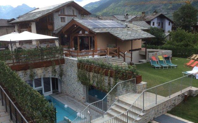 Отель Les Plaisirs d'Antan Италия, Аоста - отзывы, цены и фото номеров - забронировать отель Les Plaisirs d'Antan онлайн вид на фасад