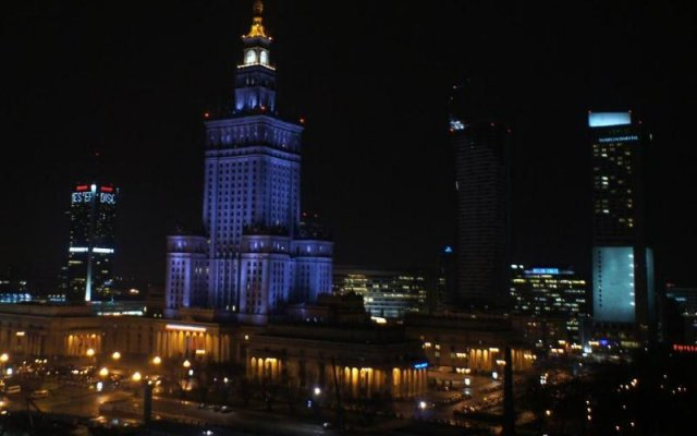 Отель Апарт-Отель BonApartments Польша, Варшава - 5 отзывов об отеле, цены и фото номеров - забронировать отель Апарт-Отель BonApartments онлайн вид на фасад