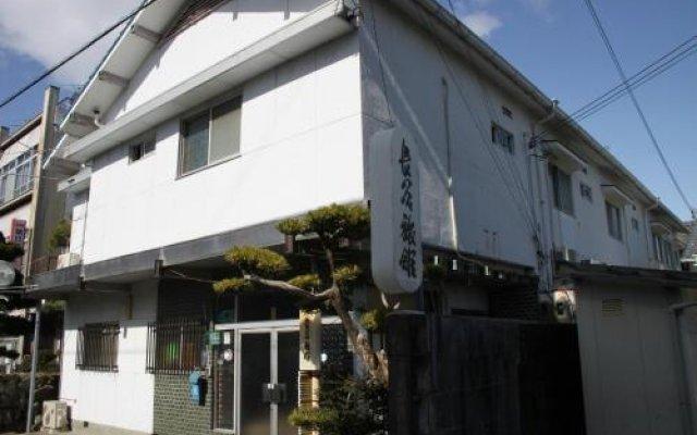 Отель Hase Ryokan Япония, Начикатсуура - отзывы, цены и фото номеров - забронировать отель Hase Ryokan онлайн вид на фасад
