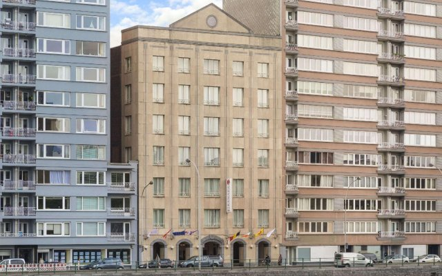 Отель Ramada Plaza Liege City Center вид на фасад