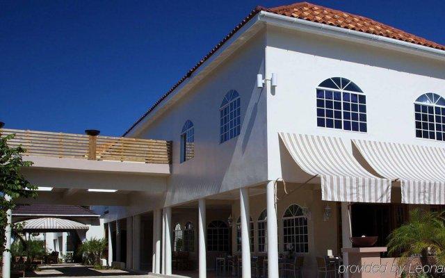 Отель Sandy Haven Resort вид на фасад