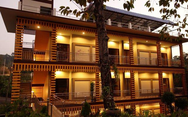Отель Airport Phuket Garden Resort Таиланд, Такуа-Тунг - отзывы, цены и фото номеров - забронировать отель Airport Phuket Garden Resort онлайн вид на фасад