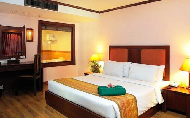 Отель Baumanburi Таиланд, Карон-Бич - 4 отзыва об отеле, цены и фото номеров - забронировать отель Baumanburi онлайн вид на фасад