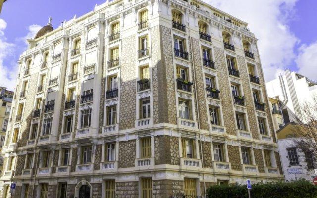 Отель Le Rossi вид на фасад