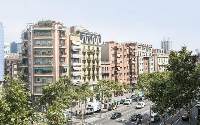 Hotel Climent Барселона вид на фасад